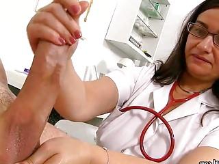 Medic Romana gives a hj