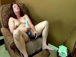 Mature cockslut Ann penetrating Herself Again