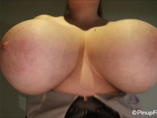 Sara Willis on concentrate cam squeezing her gigantic congenital hooters