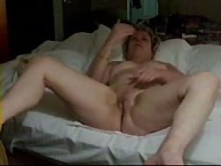 Old wife masturbating
