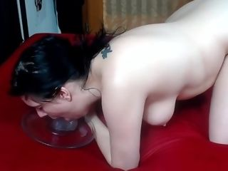 Cougar camgirl wanking, bootie wiggling and deep-throat