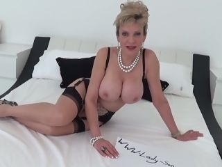 Huge-boobed mature dame Sonia wants you to fap to her mounds