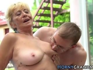Wrinkly grannie nutted