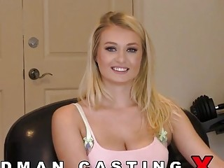 Natalia Starr comes to do pornography in Woodman's studio