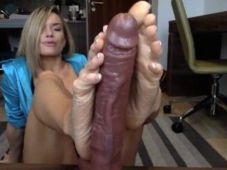 Cougar ebony faux-cock Footjob