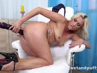 Brittany Bardot in lubed Up To have fun at PuffyNetwork