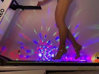 Podophilia on a treadmill