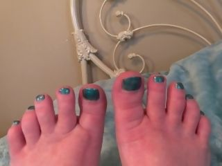 Cool Toes To Worship, Wrinkled feet To munch - TacAmateurs