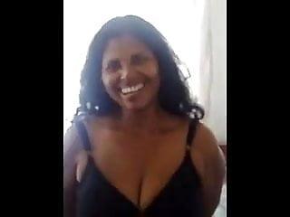 Srilankan pushpalatha aunty