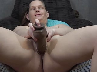 Friendly cougar Taz with bootylicious assets boning pierced cootchie