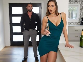 Used free-for-all movie With Desiree Dulce - BRAZZERS