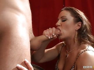 Pipe thirsty clad cougar Gives A muddy slobbering blowage