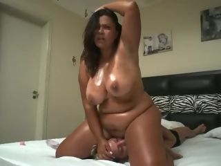 Mexican plumper Face Sits On lean g/g