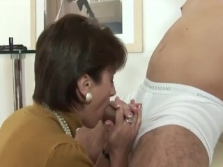 Chick Sonia - stretch pants gargle hand job & jizm